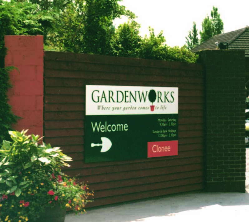 garden works entrance sign design